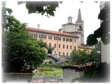La chiesa vista da Palazzo Berva